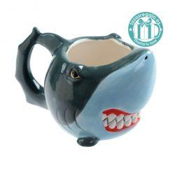 Taza original con forma de tiburón